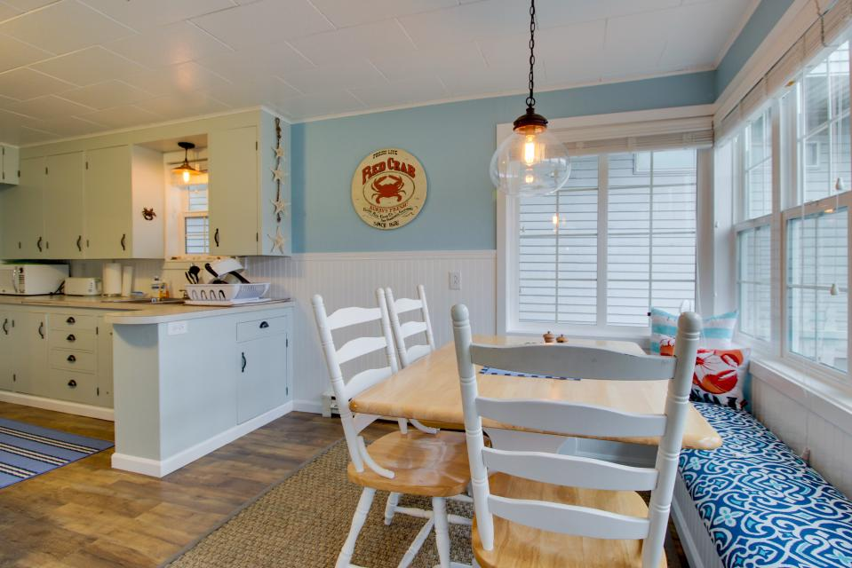 The Driftwood Cottage - Rockaway Beach Vacation Rental - Photo 4