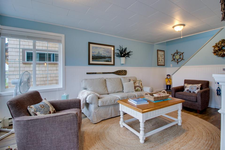 The Driftwood Cottage - Rockaway Beach Vacation Rental - Photo 2