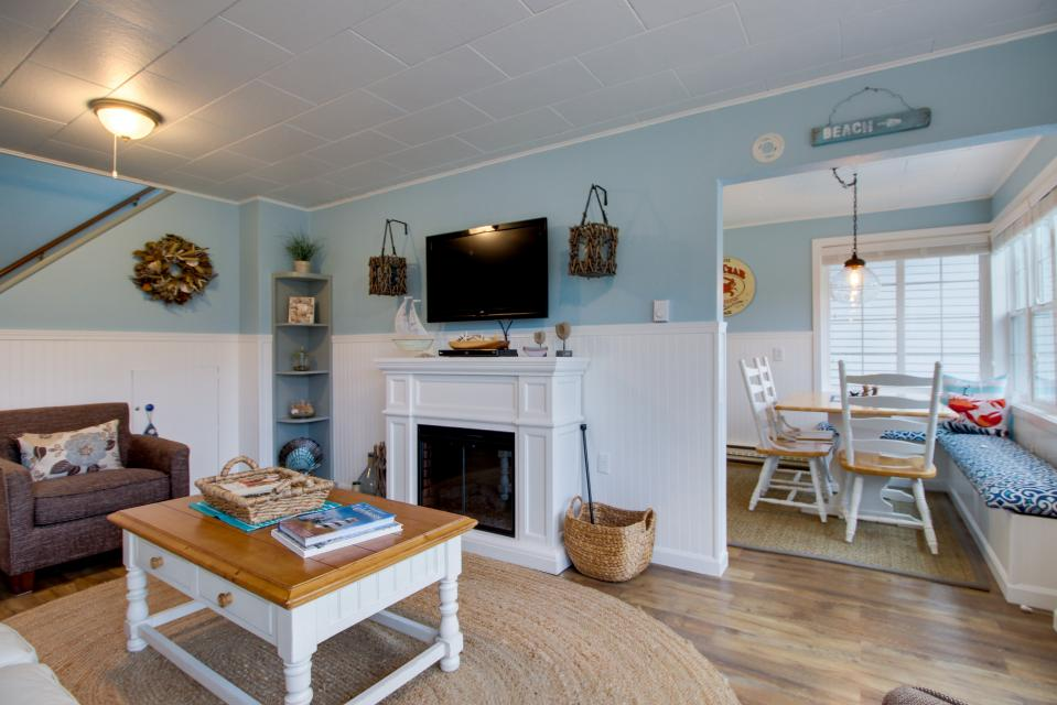 The Driftwood Cottage - Rockaway Beach Vacation Rental - Photo 3