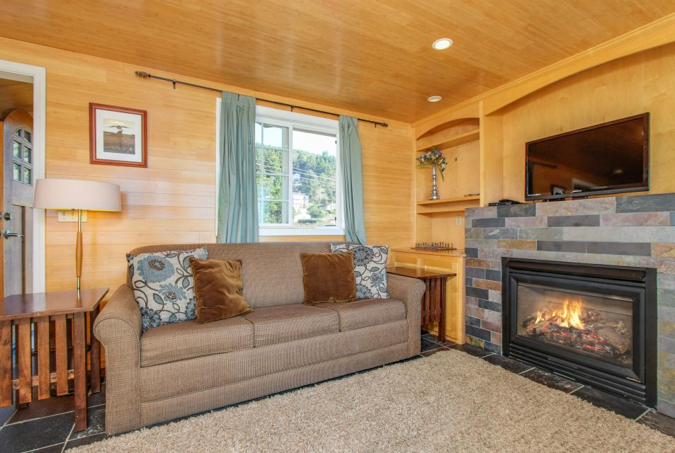 Pirate Cove Cottage 1 - Depoe Bay Vacation Rental - Photo 6