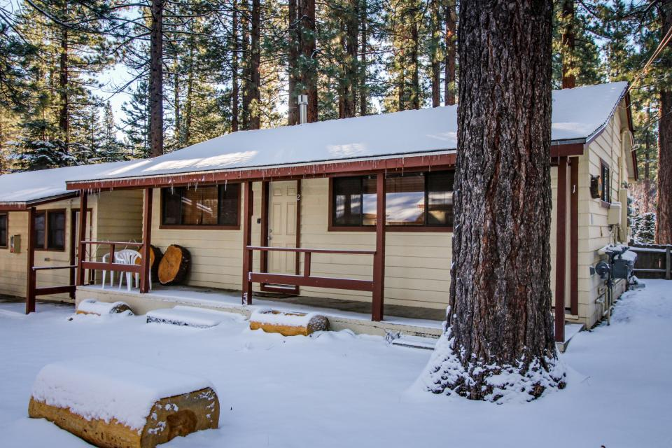 Emerald Bay Courtyard Cabins 2 Bd Vacation Rental In