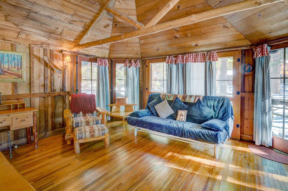Twin Tree Lodge - Idyllwild Vacation Rental - Photo 5