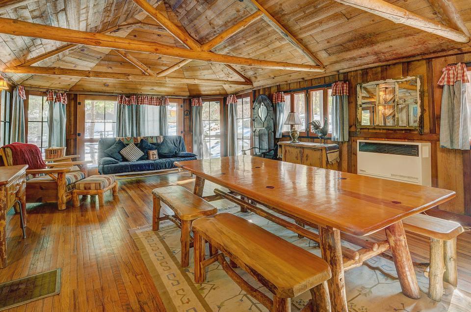 Twin Tree Lodge - Idyllwild Vacation Rental - Photo 8