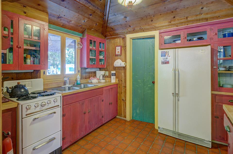 Twin Tree Lodge - Idyllwild Vacation Rental - Photo 11