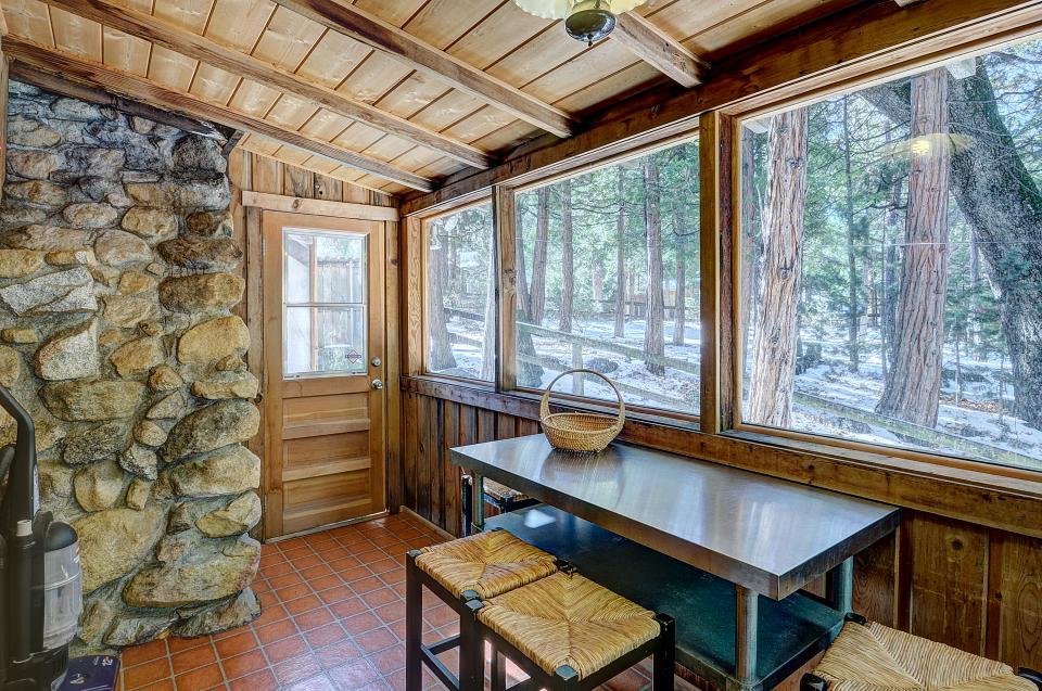 Twin Tree Lodge - Idyllwild Vacation Rental - Photo 13