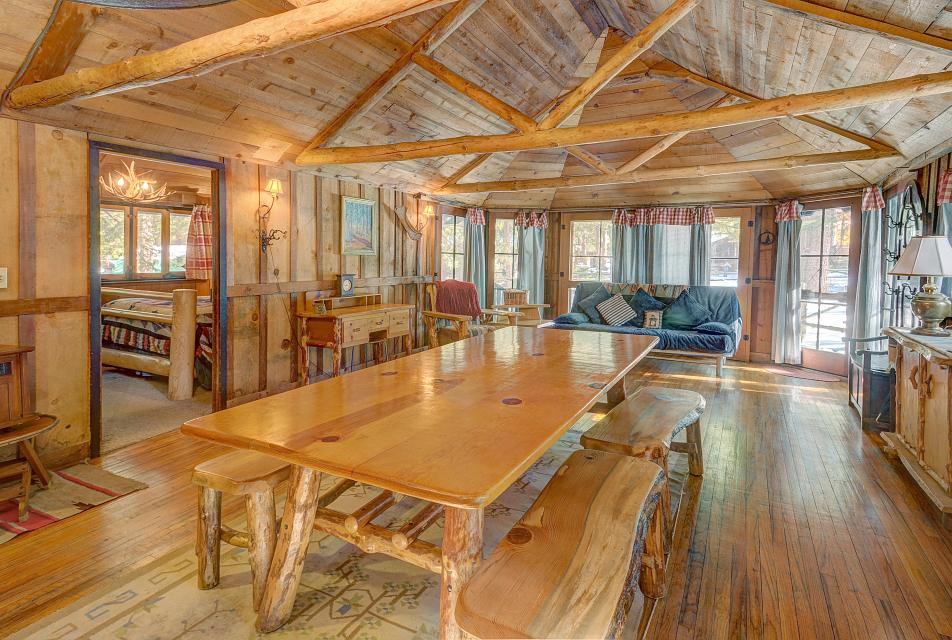 Twin Tree Lodge - Idyllwild Vacation Rental - Photo 15