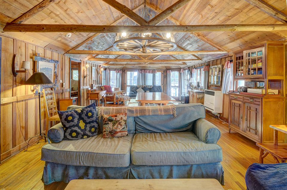 Twin Tree Lodge - Idyllwild Vacation Rental - Photo 21