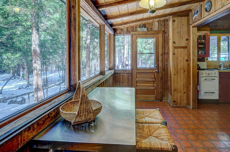 Twin Tree Lodge - Idyllwild Vacation Rental - Photo 22