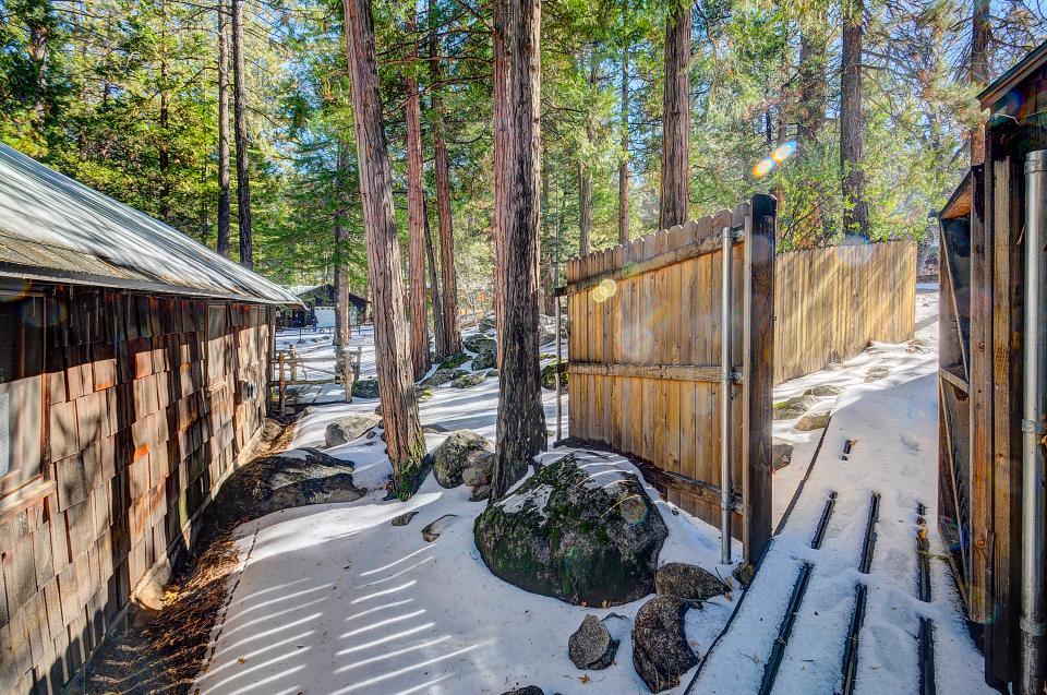 Twin Tree Lodge - Idyllwild Vacation Rental - Photo 24
