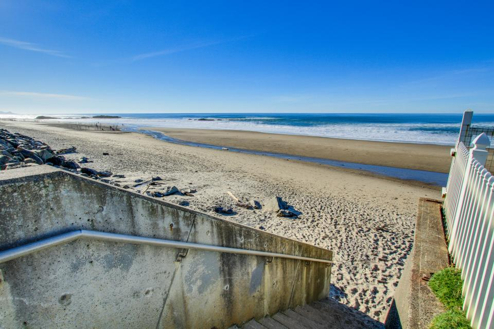Dolphin D-3 - Lincoln City Vacation Rental - Photo 30