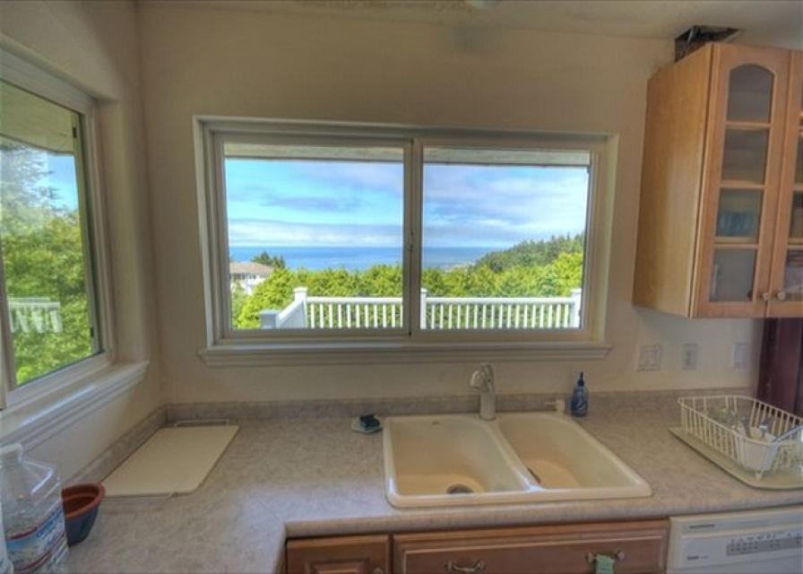 Secluded Oceans - Depoe Bay Vacation Rental - Photo 10