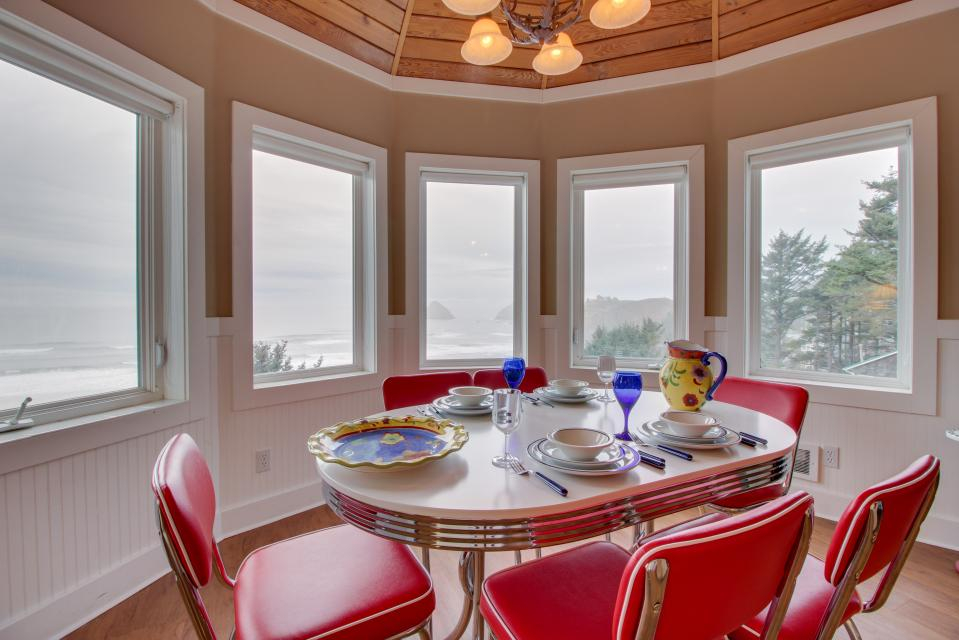 Berni's Ocean View Castle - an Oceanside Legend - Oceanside Vacation Rental - Photo 10