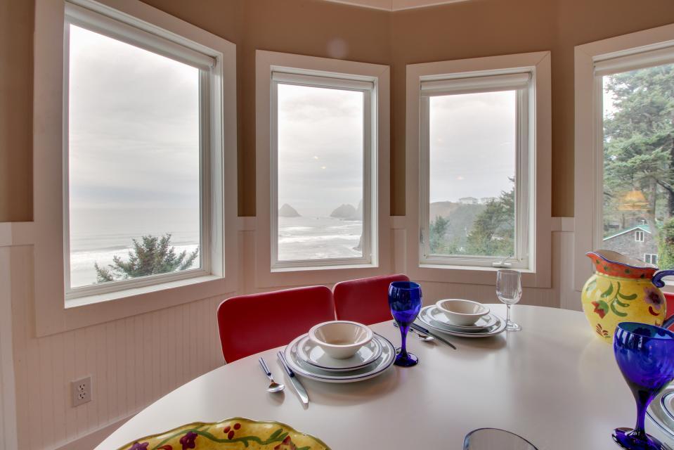 Berni's Ocean View Castle - an Oceanside Legend - Oceanside Vacation Rental - Photo 11
