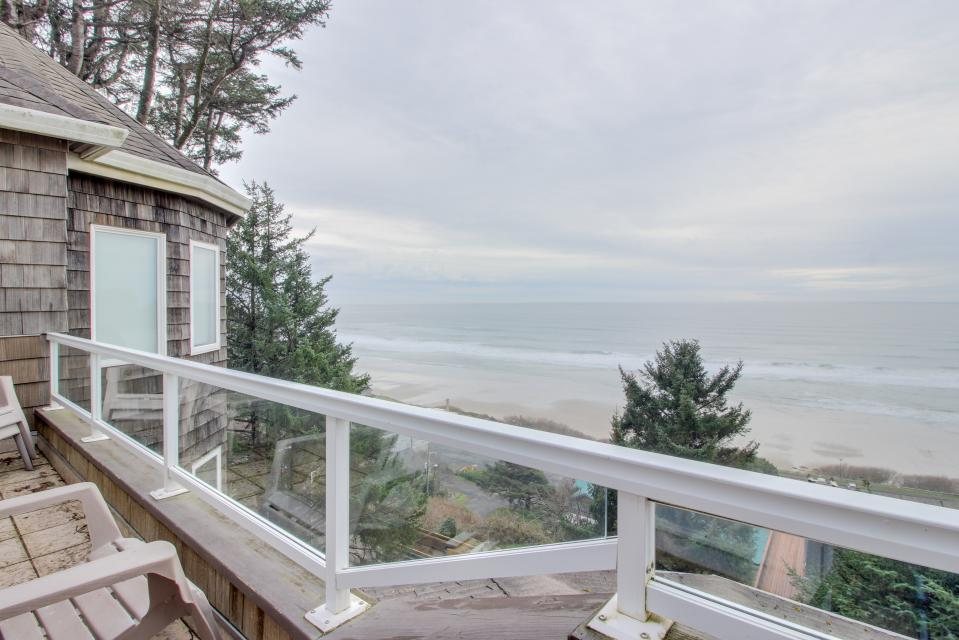 Berni's Ocean View Castle - an Oceanside Legend - Oceanside Vacation Rental - Photo 33