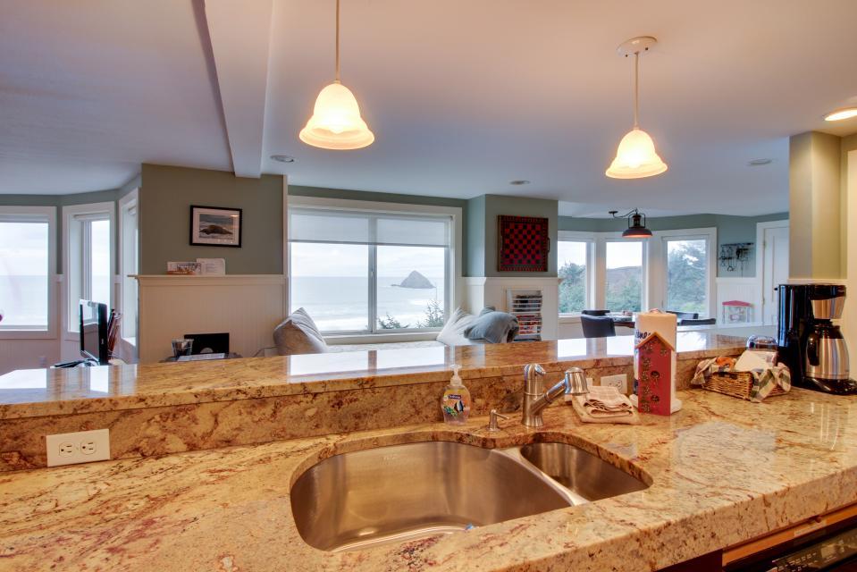 Berni's Ocean View Castle - an Oceanside Legend - Oceanside Vacation Rental - Photo 51