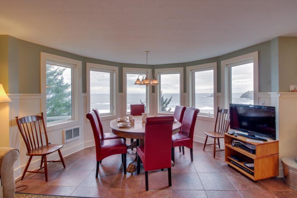 Berni's Ocean View Castle - an Oceanside Legend - Oceanside Vacation Rental - Photo 6