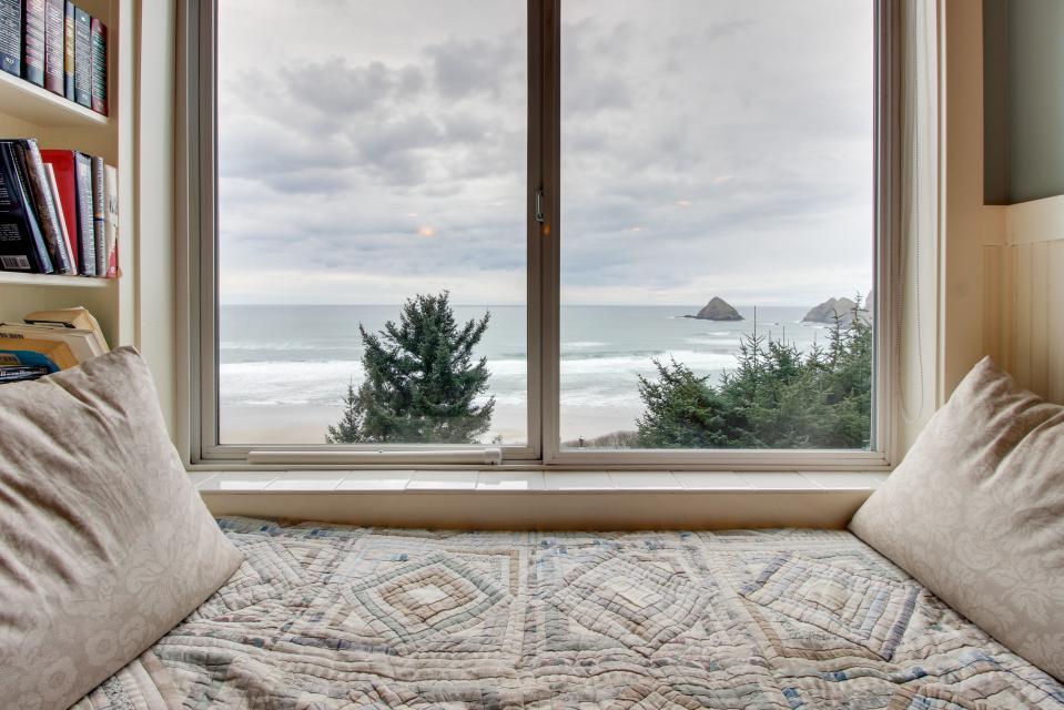 Berni's Ocean View Castle - an Oceanside Legend - Oceanside - Take a Virtual Tour