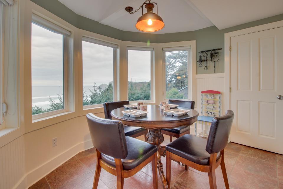 Berni's Ocean View Castle - an Oceanside Legend - Oceanside Vacation Rental - Photo 7