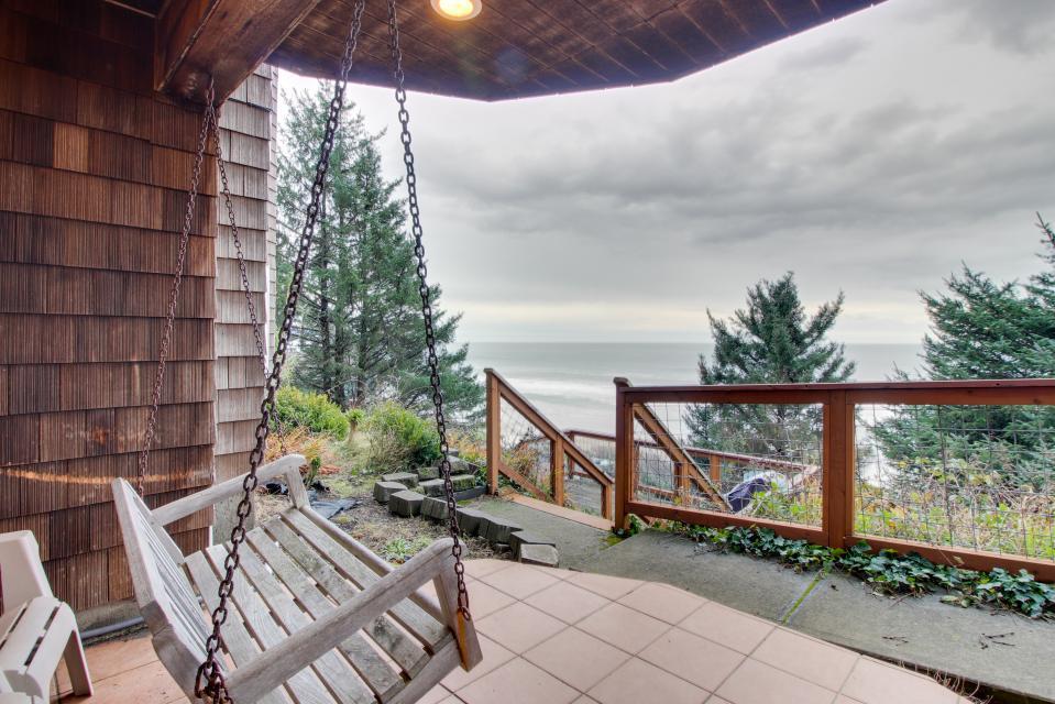 Berni's Ocean View Castle - an Oceanside Legend - Oceanside Vacation Rental - Photo 61