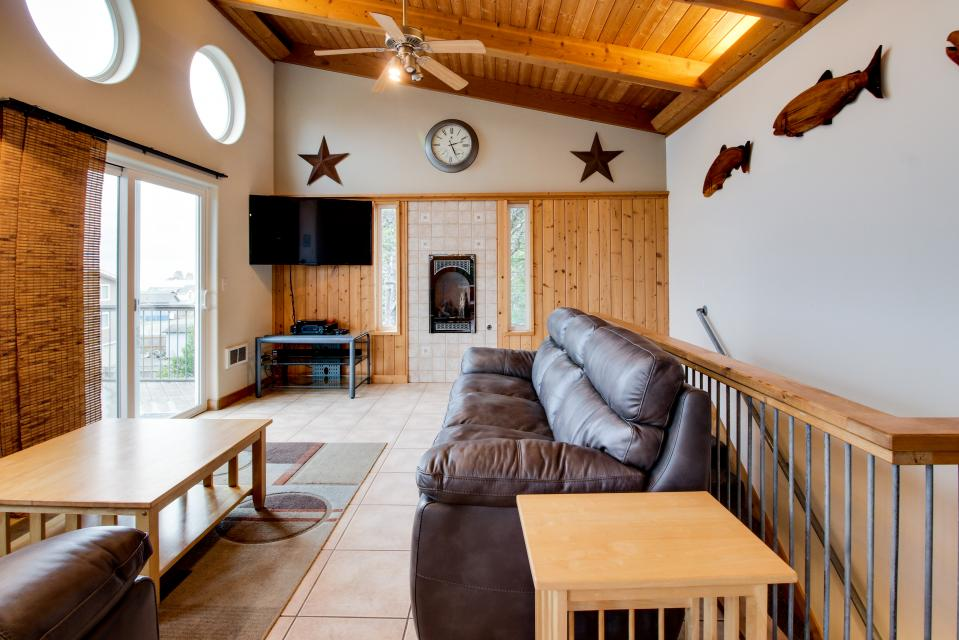 Grey Haven - Rockaway Beach Vacation Rental - Photo 6