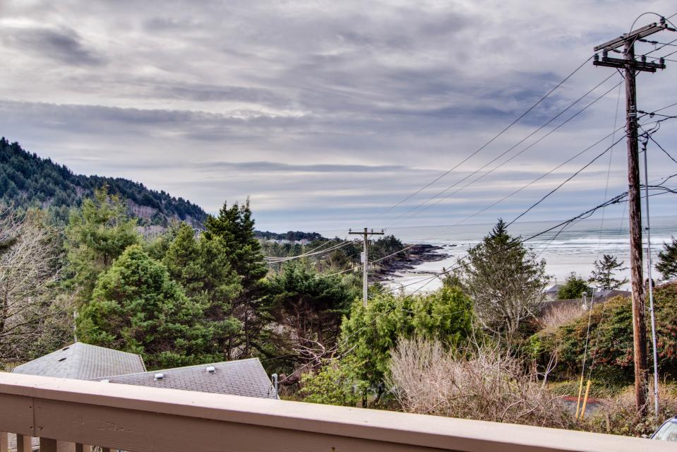 Ocean Observatory - Yachats Vacation Rental - Photo 2