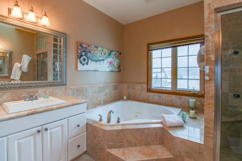 The Timberwolf on Cotton Ranch - Gypsum Vacation Rental - Photo 27