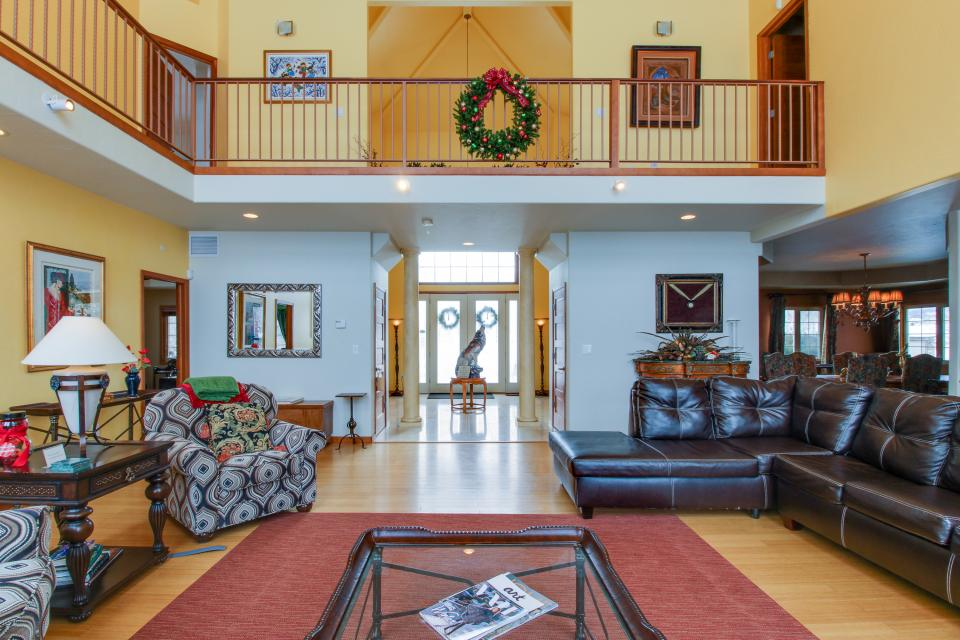 The Timberwolf on Cotton Ranch - Gypsum Vacation Rental - Photo 6