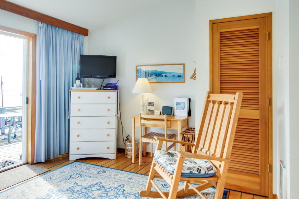 Ocean Cove - Yachats Vacation Rental - Photo 12