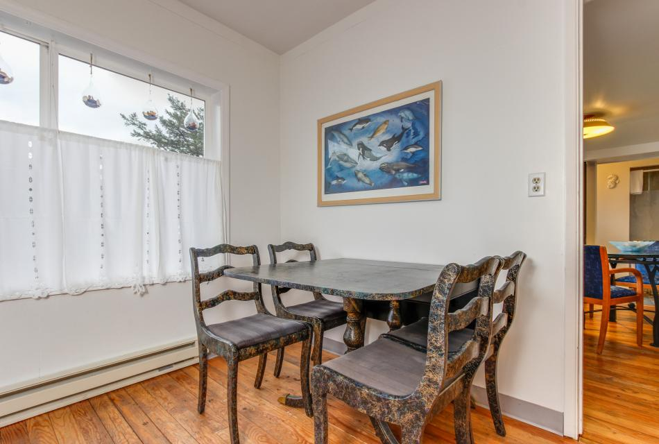 Pirate Cove Cottage 2 - Depoe Bay Vacation Rental - Photo 10