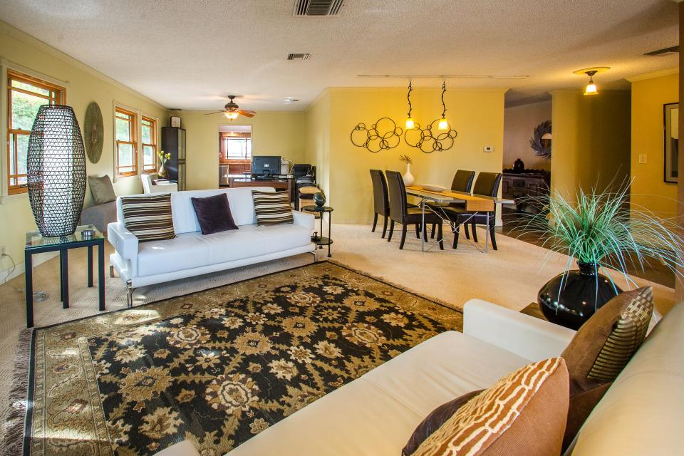 Palm Desert Delight - Palm Desert Vacation Rental - Photo 2