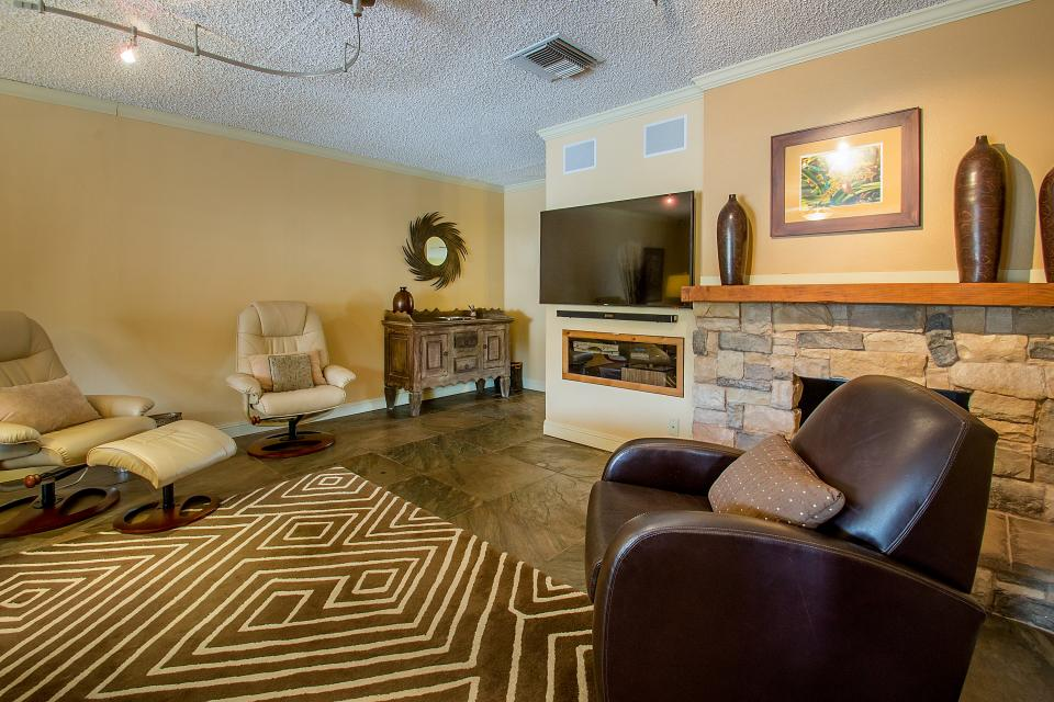 Palm Desert Delight - Palm Desert Vacation Rental - Photo 3