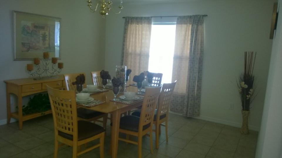Sunshine Daydream Villa - Kissimmee Vacation Rental - Photo 4