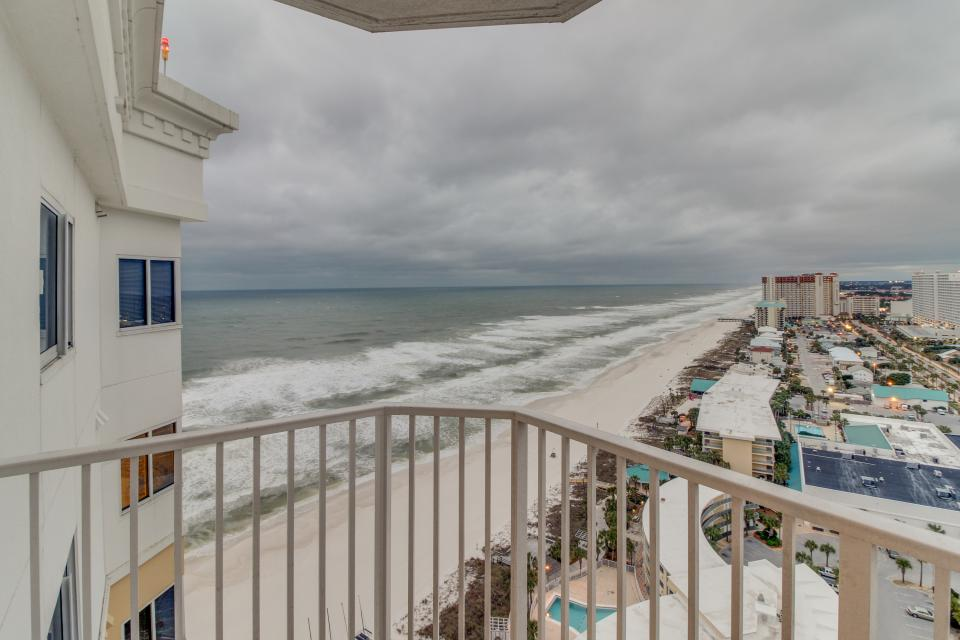 Boardwalk 2212 Studio - Panama City Beach Vacation Rental - Photo 5
