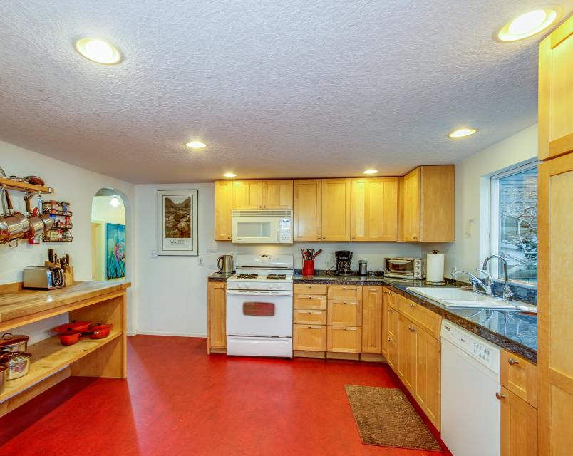 The Whalen House - Pacific City Vacation Rental - Photo 12