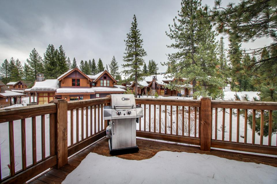 Valmont Manor - Truckee Vacation Rental - Photo 14