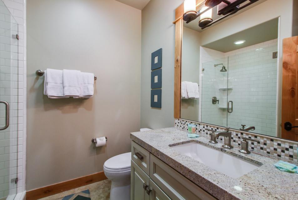 Valmont Manor - Truckee Vacation Rental - Photo 25