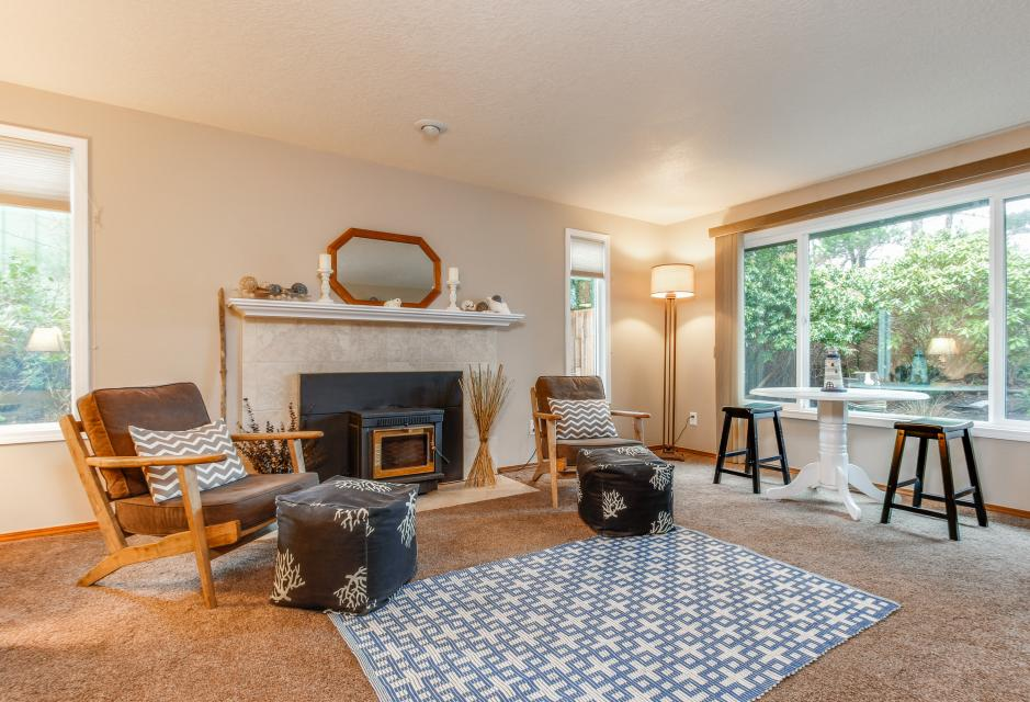 Pacific Dorado Beach House  - Depoe Bay Vacation Rental - Photo 3