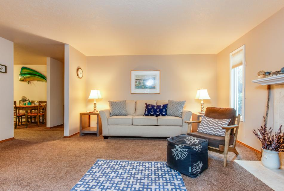 Pacific Dorado Beach House  - Depoe Bay Vacation Rental - Photo 5