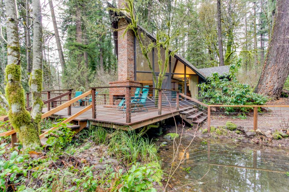Mckenzie River Cabin 5 Bd Vacation Rental In Vida Or