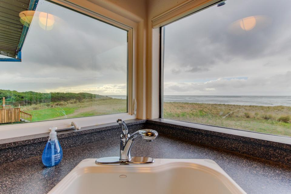 Oceans Eleven - Rockaway Beach Vacation Rental - Photo 7