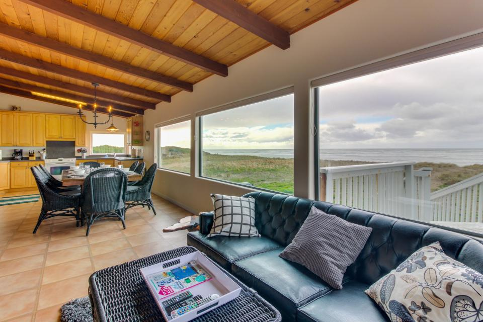 Oceans Eleven - Rockaway Beach Vacation Rental - Photo 13