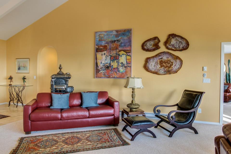 Hidden Luxury Beachfront Estate - Yachats Vacation Rental - Photo 6