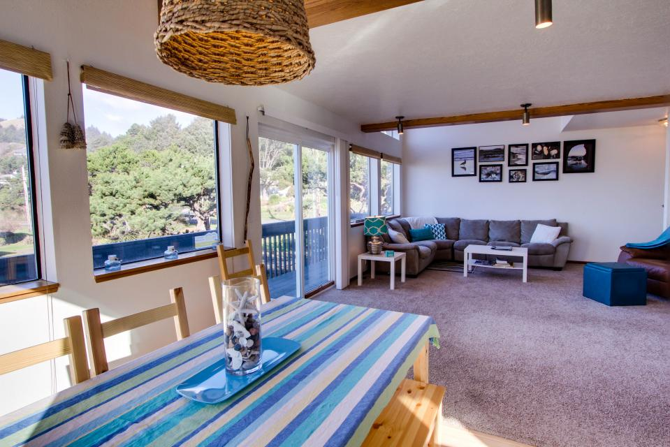 The Black Pearl - Lincoln City Vacation Rental - Photo 6