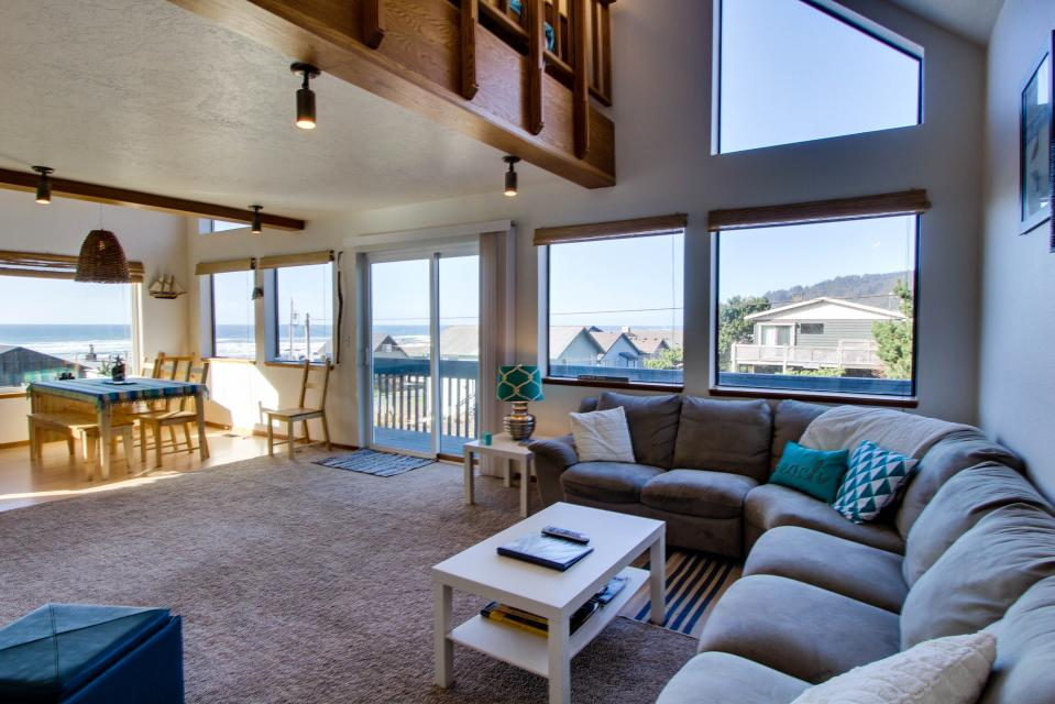 The Black Pearl - Lincoln City Vacation Rental - Photo 4