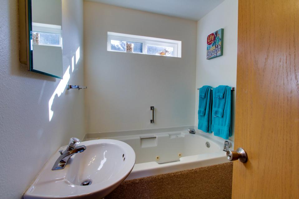 The Black Pearl - Lincoln City Vacation Rental - Photo 13