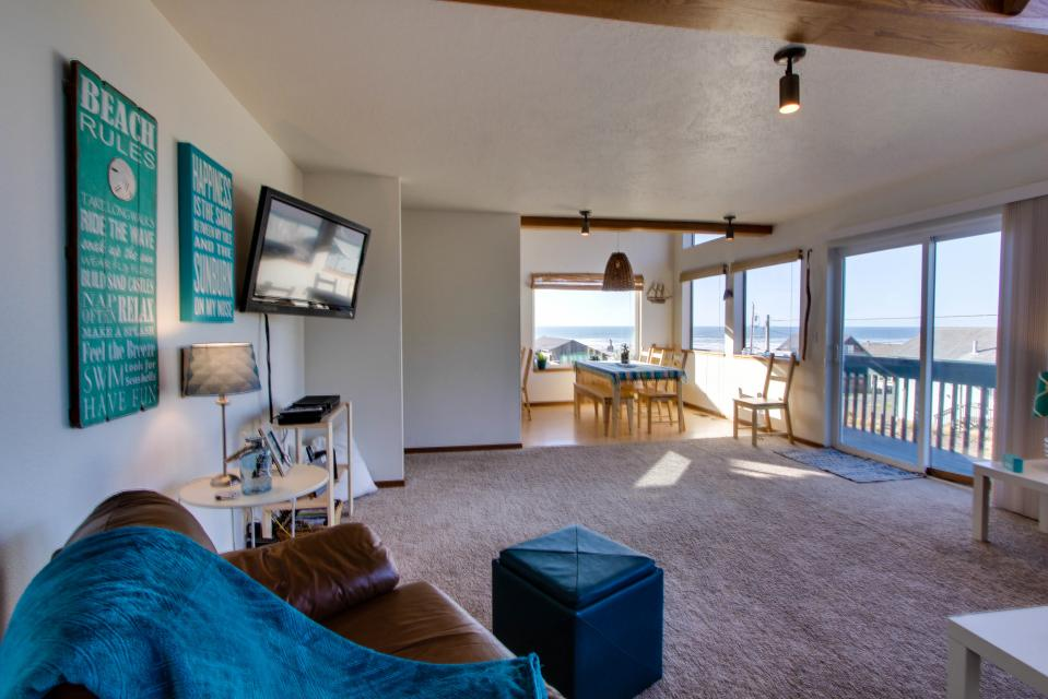 The Black Pearl - Lincoln City Vacation Rental - Photo 7