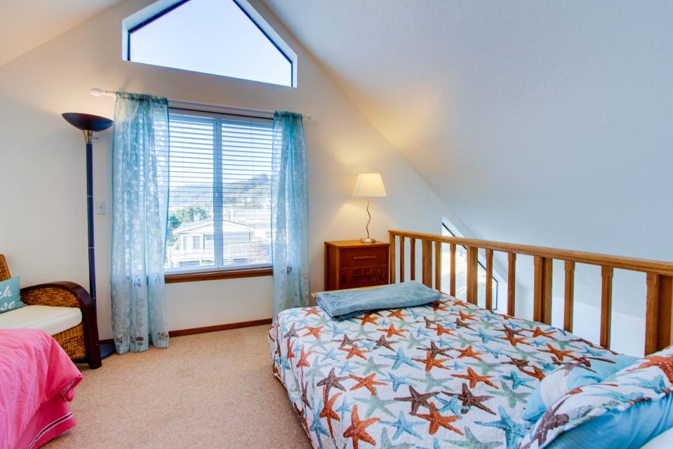 The Black Pearl - Lincoln City Vacation Rental - Photo 19