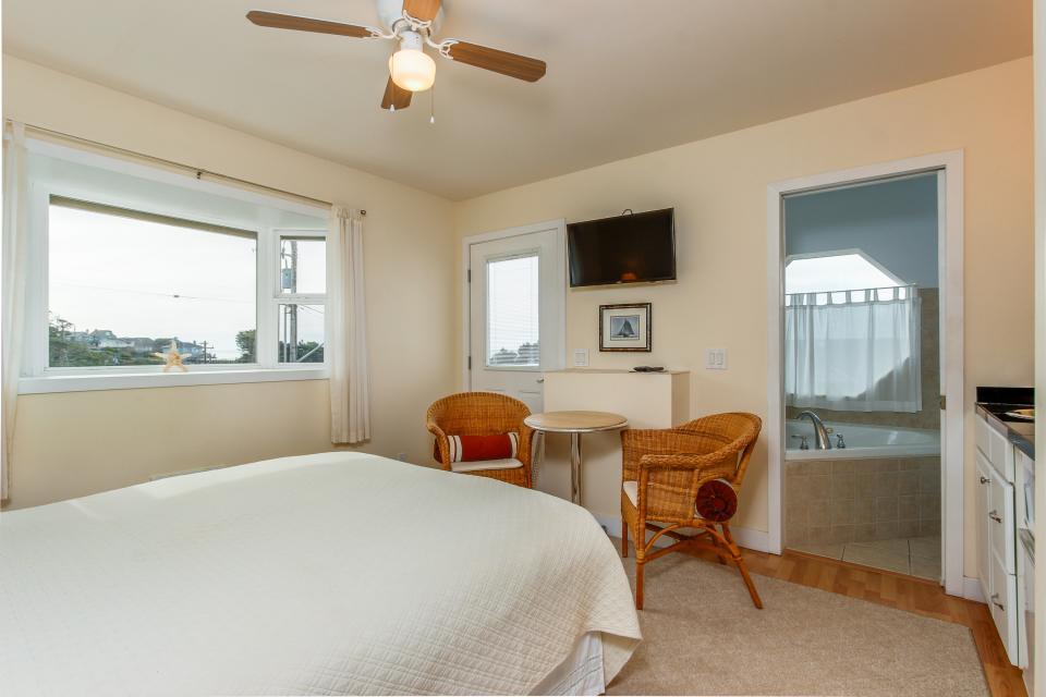 Harbor SeaShell - Lincoln City Vacation Rental - Photo 14