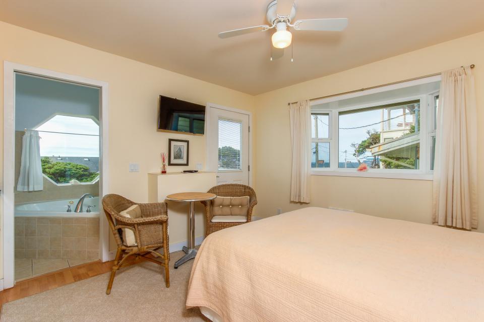 Harbor SeaShell - Lincoln City Vacation Rental - Photo 18
