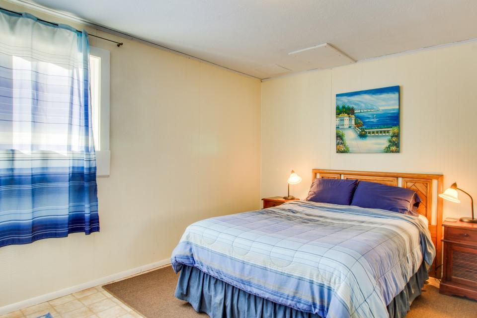 Beach Retreat - Newport Vacation Rental - Photo 22